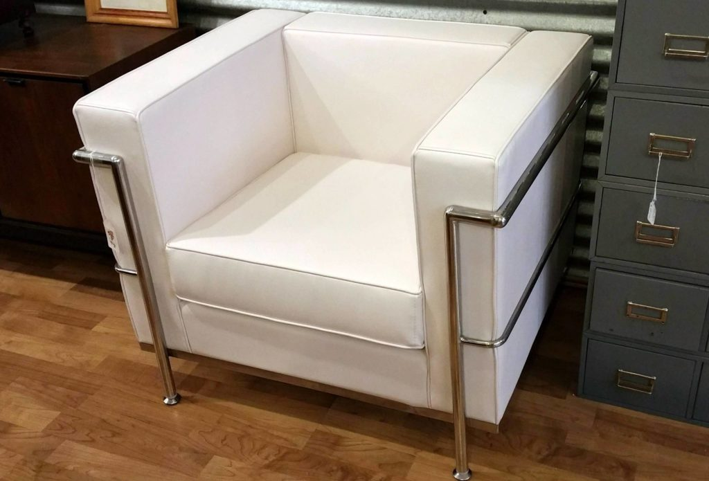 #LeCorbusier inspired #LC2Armchair knockoff - white