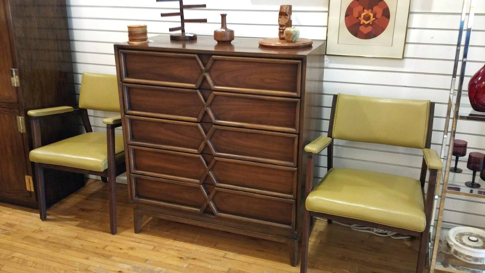 American of Martinsville Tall Dresser/Chest of Drawers
