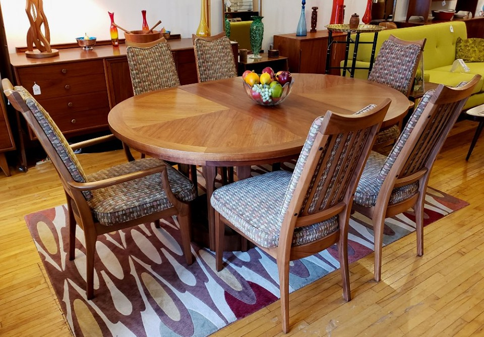 #JohnKeal for #BrownSaltman Dining Table & 6 matching chairs