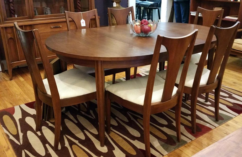 #BroyhillPremier Round_to_Oval Dining Table & Chair Set