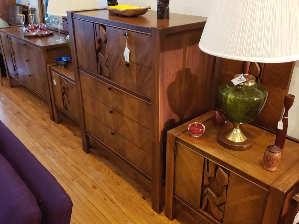 5-pc United Furniture Bedroom Set, Brutalist style Tiki Theme
