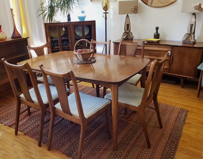 Vtg MCM United Furniture Dining Table, Chairs, Credenza