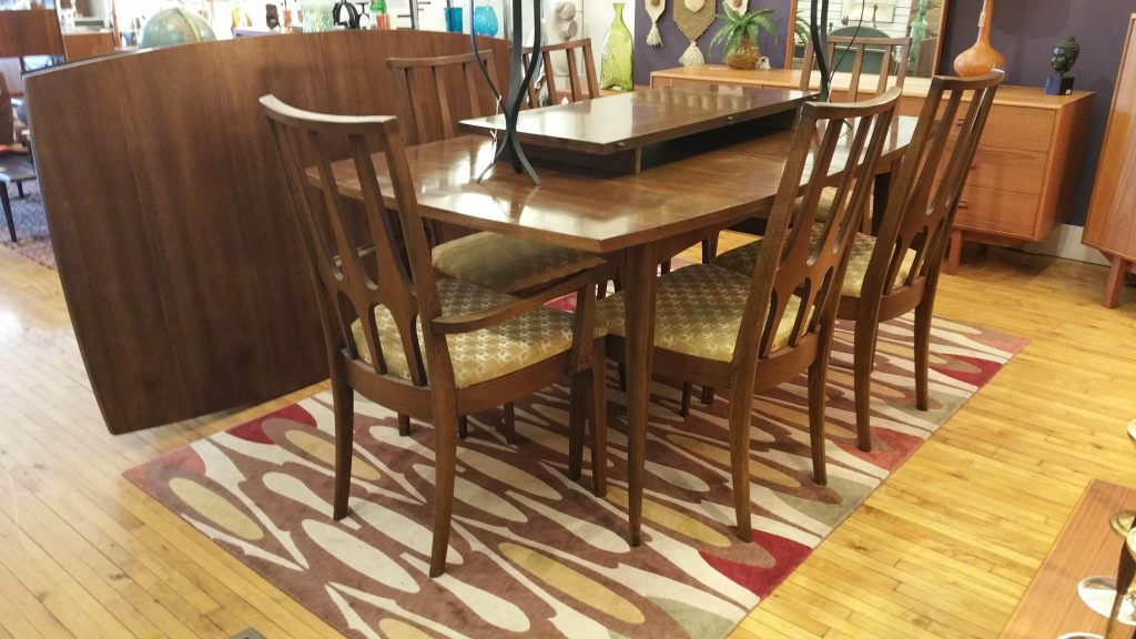 #BroyhillBrasilia Dining Set:  Table & 6 Chairs