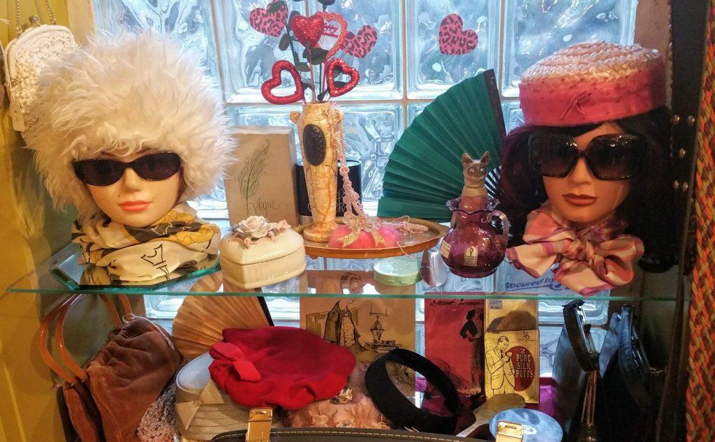 Nice Variety of Vintage Hats, Scarves & accessories